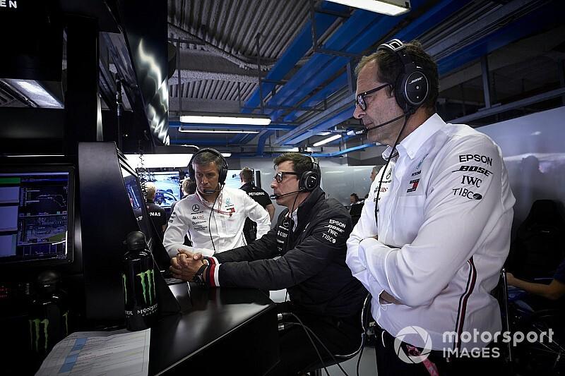 "Wolff no se explica la ""atípica"" mejora del motor Ferrari"