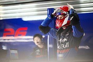 Waarom Kvyat niet met zijn speciale helmdesign mocht rijden
