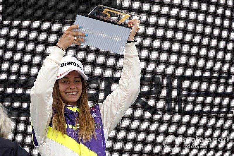 Marta García domina en su primera victoria en W Series