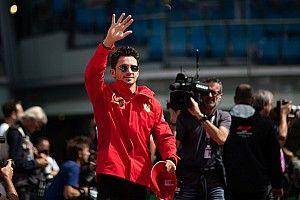 Leclerc lassan egy profi F1-es esportoló szintjén lehet: nyert, de megbüntették (videó)