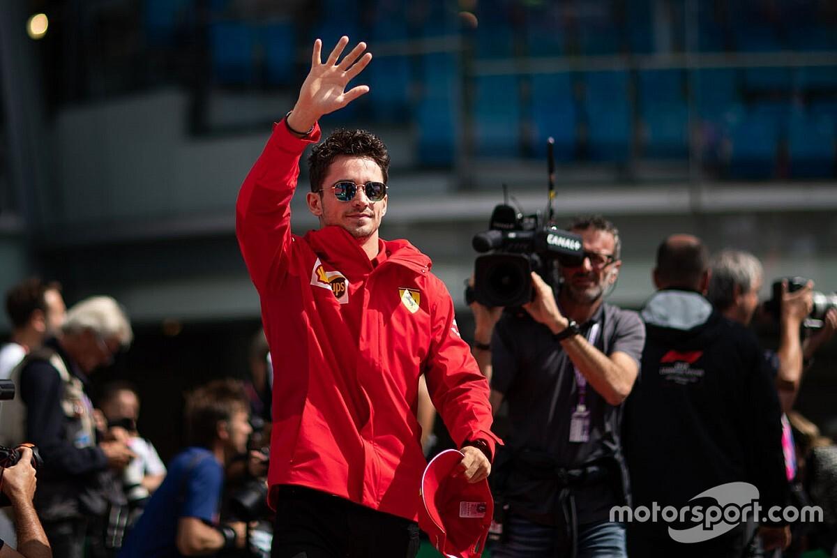 """""""Leclerc nyugdíjba küldi Vettelt, a Ferrarinak új istene van, jön a Leclerc-korszak"""""""