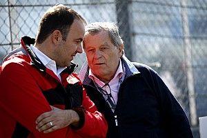 """Haug: """"Yarışları sıkıcı yapan Mercedes değil, diğerleri"""""""