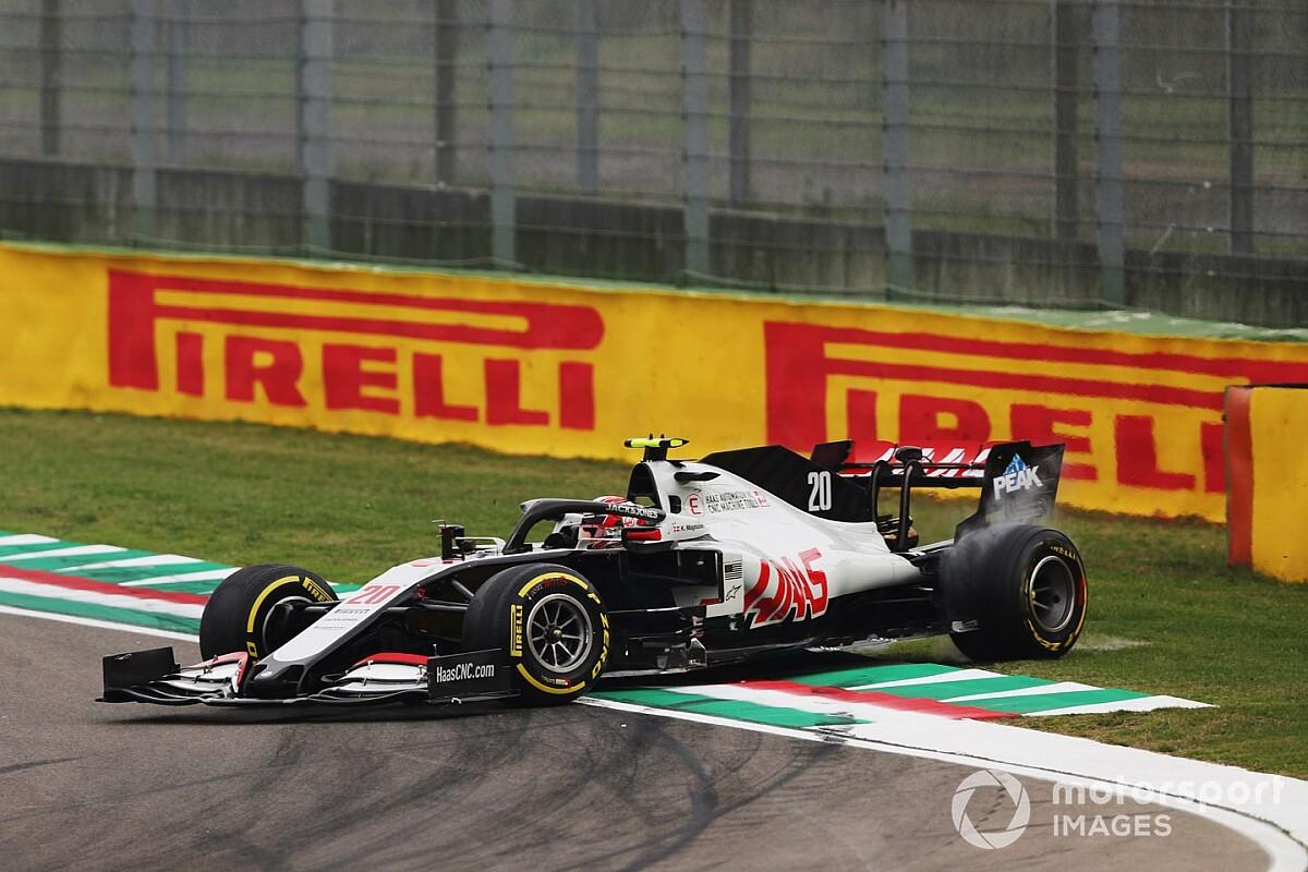 F1: Magnussen KO per un forte mal di testa causato dal cambio