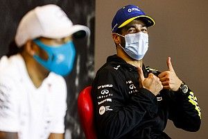 Ricciardo Pamer Kepiawaian sebagai Pemain Basket