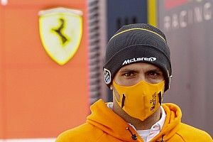 """Sainz recorda período como piloto Red Bull: """"Foi muito difícil"""""""