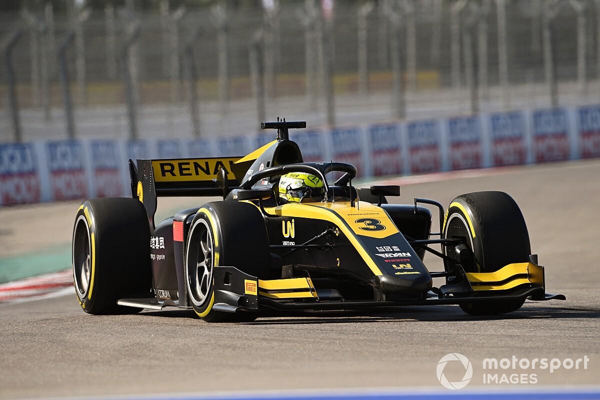 Sochi F2: Zhou wins truncated sprint race after huge crash