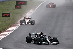 F1 Turkish GP: Bottas dominates ahead of Verstappen