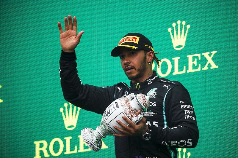 """Hamilton suffering from """"dizziness, fatigue"""" after Hungarian GP"""
