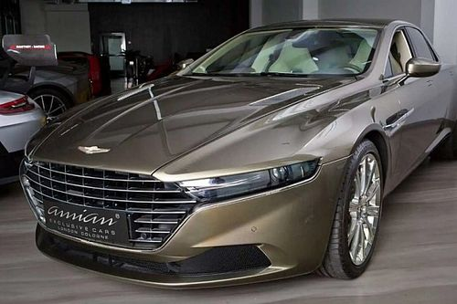 1,17 millió dollárért várja következő gazdáját ez az alig használt Aston Martin Lagonda Taraf