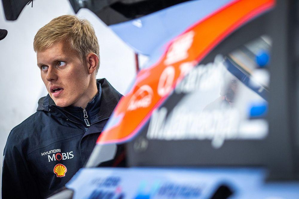 WRC: Tanak multato per eccesso di velocità: andava a 101 Km/h