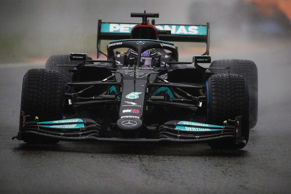 """Hamilton: az F1 """"rossz döntést hozott"""" a két körrel, de """"a pénz beszél"""""""