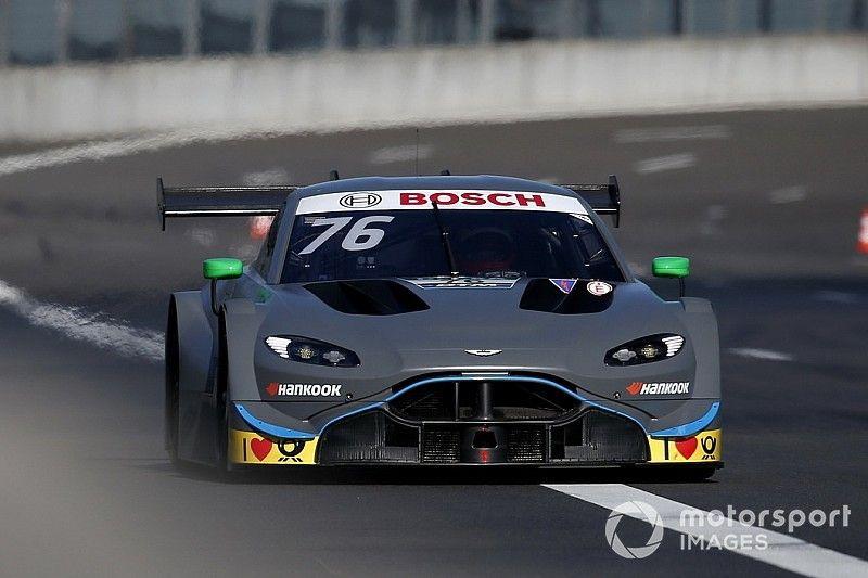 Zaskakujący Aston Martin