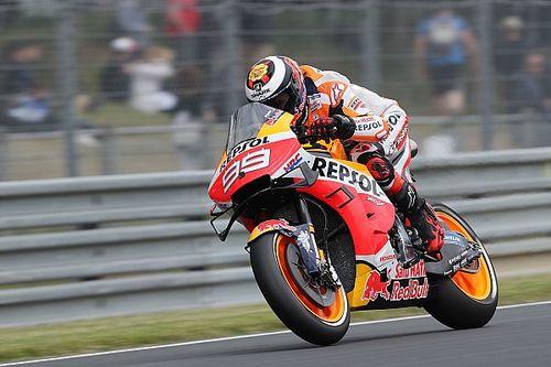 Lorenzo lakukan perubahan pada jok motor
