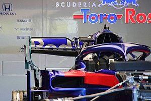 Toro Rosso: paratia svergolata dell'ala posteriore a cucchiaio