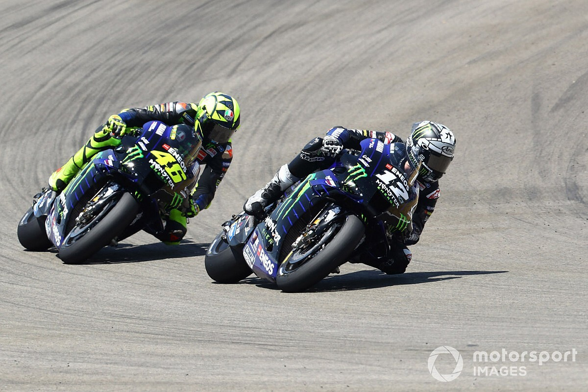 "Vinales ""couldn't breathe"" behind Rossi in Andalusian GP"