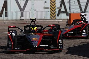 Formula E, Berlino 5: Rowland regala il successo alla Nissan