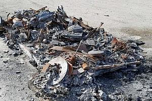 Tuti üzlet: eladó egy néhány vödörnyi ronccsá égett Ferrari 458 Spider