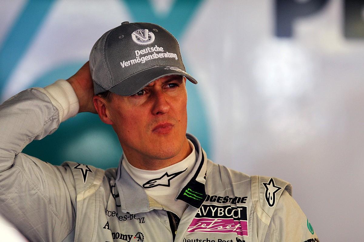 Schumacher hatalmas manővere Alonso ellen, majd jött a büntetés (videó)