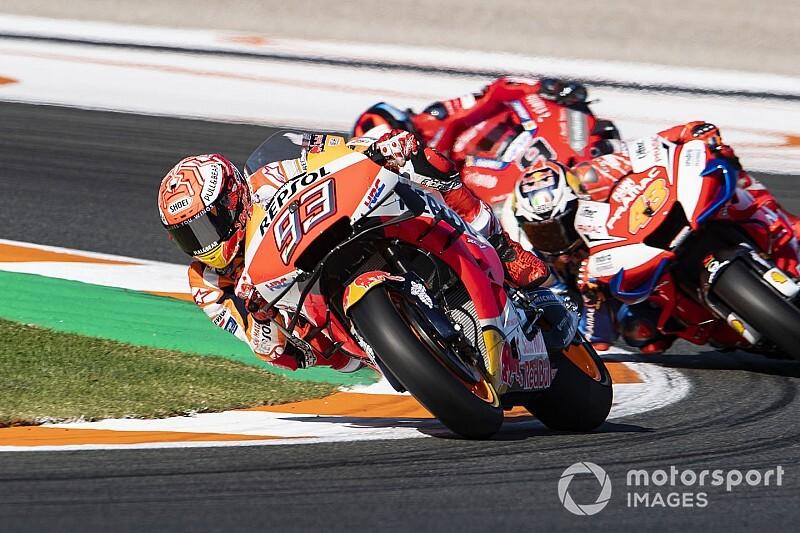 Маркес завершил сезон MotoGP победой в Валенсии