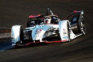 "Porsche expecting ""tough"" Formula E debut in Riyadh"