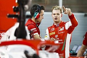 """Ferrari : """"Trop tôt pour décider"""" si Mick Schumacher ira en F1"""