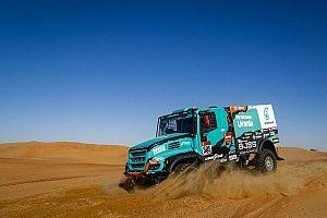 De Rooy sufre por la COVID-19 y reduce su equipo del Dakar