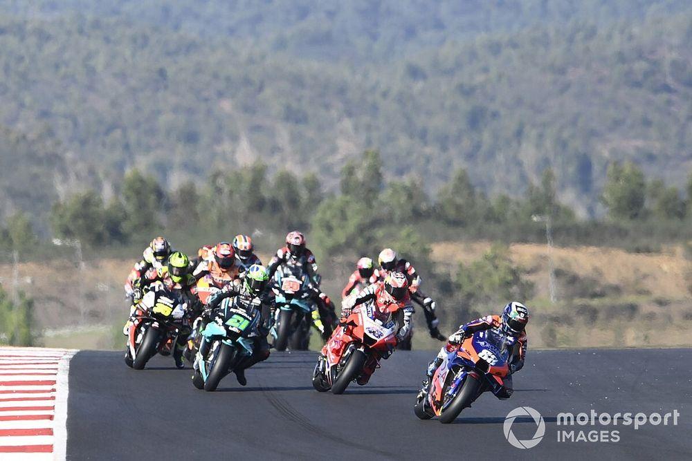 Sensationele Oliveira dominant naar winst in Grand Prix van Portugal