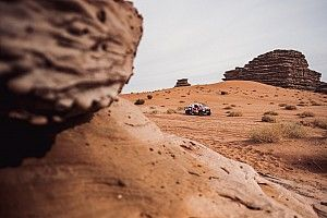Al Attiyah sigue ganando etapas en el Dakar, pero Peterhansel aguanta