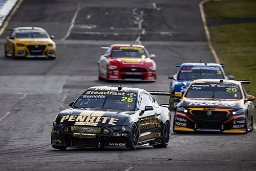 Supercars teams set to stay in Melbourne