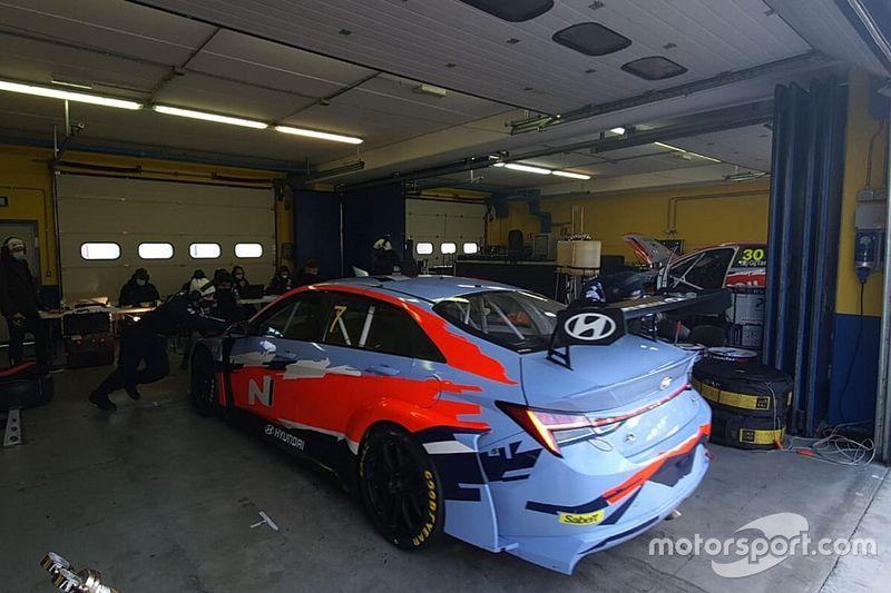 Hyundai prepara la Elantra per il WTCR e affina la i30