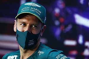 "Vettel: ''Aston Martin AMR21'de rahat hissediyorum"""