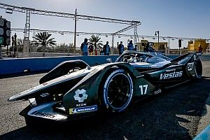 Diriyah E-Prix: De Vries leads Mercedes 1-2 in second practice