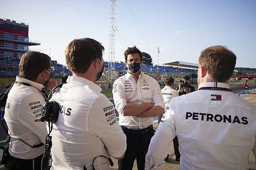 Dokumen yang Dikirim Mercedes ke FIA Disinyalir Tidak Resmi
