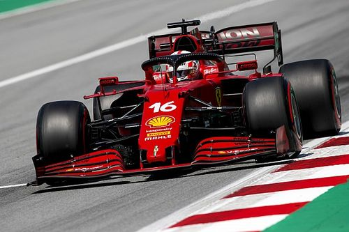 Ferrari в паре десятых от Mercedes – сравниваем телеметрию Леклера и Хэмилтона