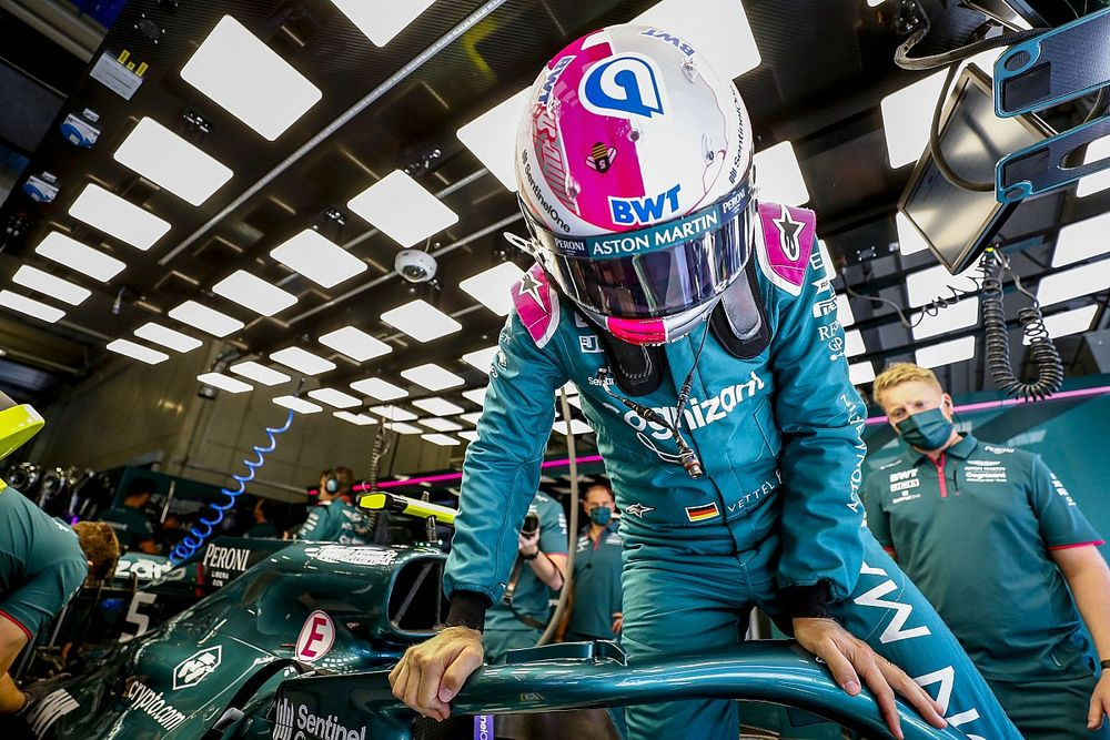 """Aston Martin reconoce el trabajo de Vettel, """"el empleado más caro"""""""