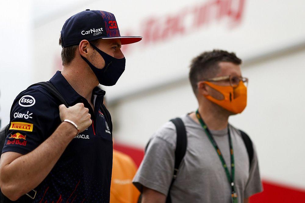 """Verstappen: """"Red Bull'un güncellemeleri, Mercedes'inkiler kadar büyük değil"""""""