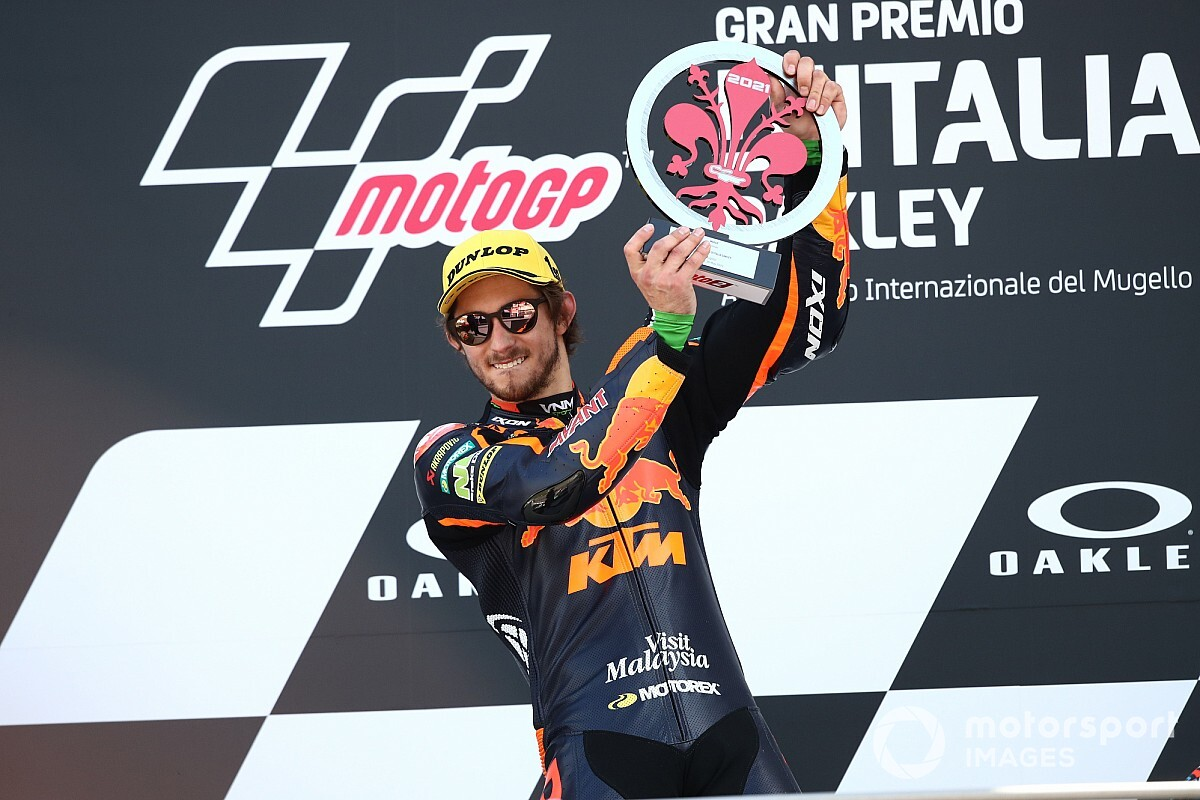 Remy Gardner pebalap Moto2 raih podium di Sirkuit Mugello Italia.