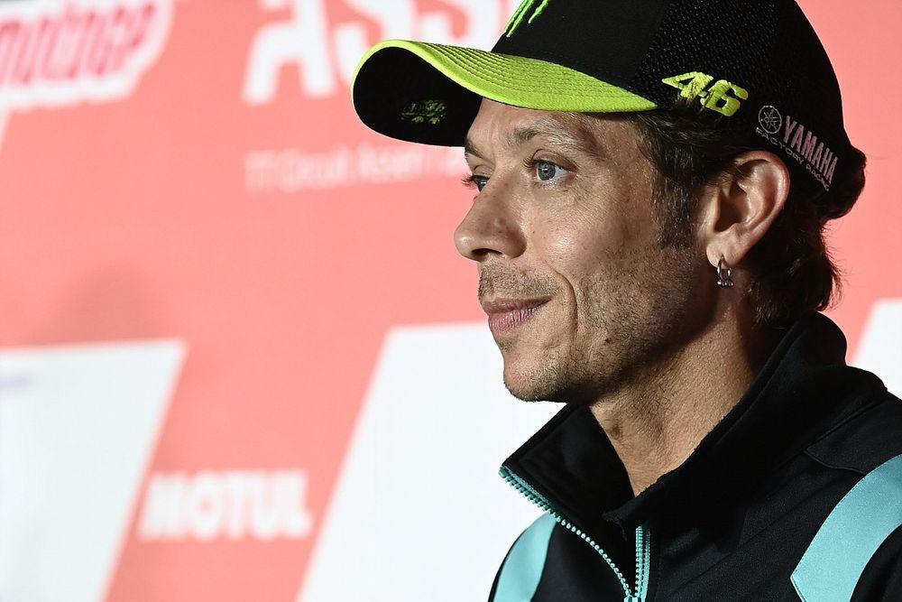MotoGP legend Valentino Rossi announces retirement