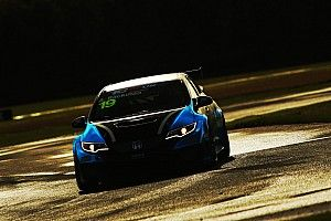 UK: Croft si asciuga e Andreas Bäckman centra la pole position beffando tutti nel finale