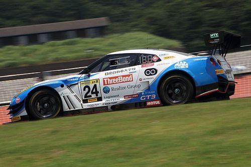 スリーボンド日産自動車大学校GT-Rが盤石な走りでポール・トゥ・ウィン