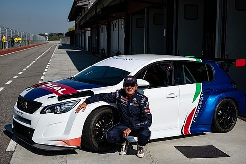 Massimo Arduini sta svolgendo i primi test con la sua nuova Peugeot 308 TCR