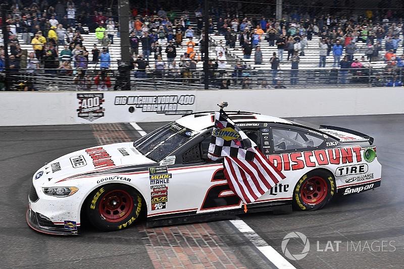 NASCAR: Keselowski gewinnt Indianapolis - Playoff-Feld 2018 steht