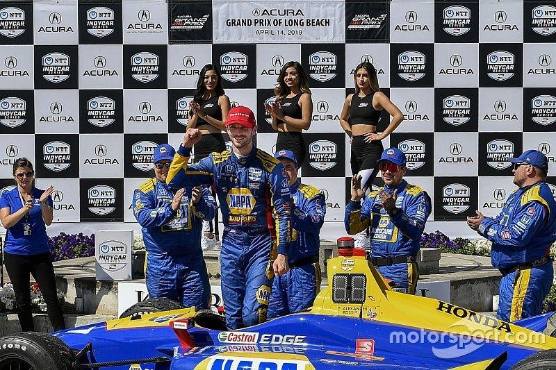 Rossi domina de principio a fin en Long Beach