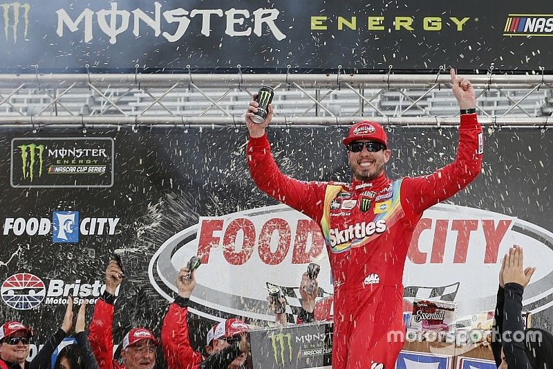 Kyle Busch rebounds from early wreck to win at Bristol