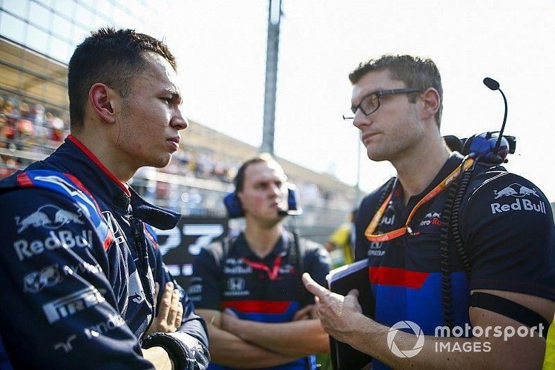 """Toro Rosso tevreden met debuut Albon: """"Hij was niet onder de indruk"""""""