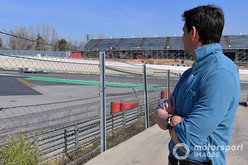 Вольф объяснил поражения Ferrari в сезоне-2019