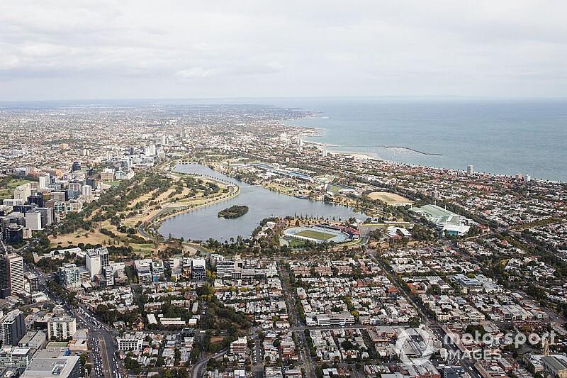 オーストラリアGP、新型コロナの驚異がすぐそばに。感染男性が近隣施設訪問