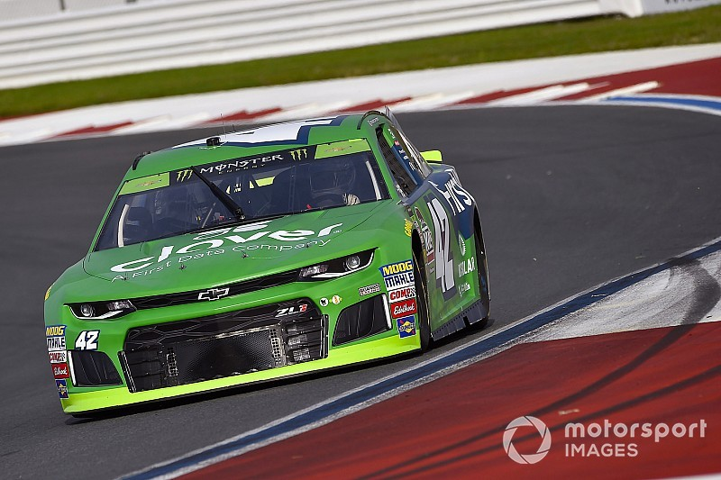 Kyle Larson takes Stage 1 win at the Charlotte Roval