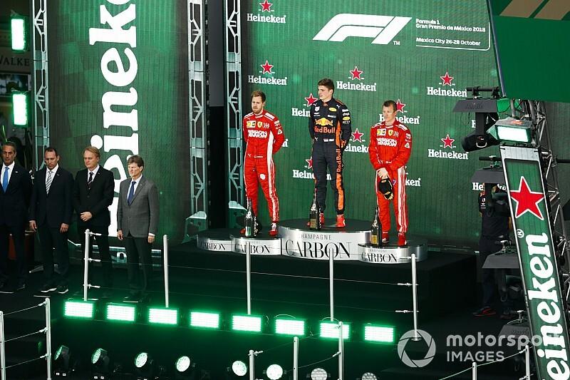 メキシコGPの表彰式は今年も特別。優勝マシンも表彰台に!