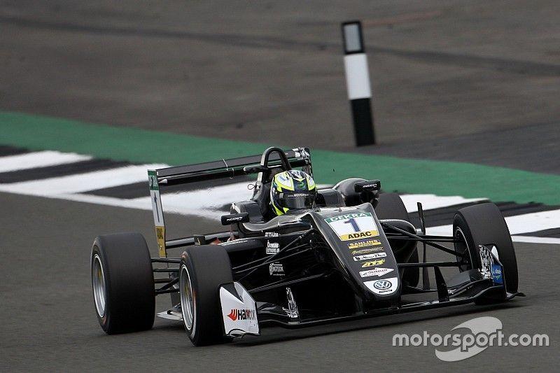 El protegido de BMW Eriksson gana la segunda manga de la FIA F3 en Silverstone